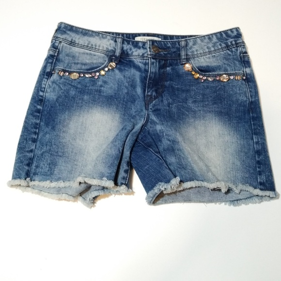 Forever 21 Pants - 🍁Forever 21 denim jeweled short shorts